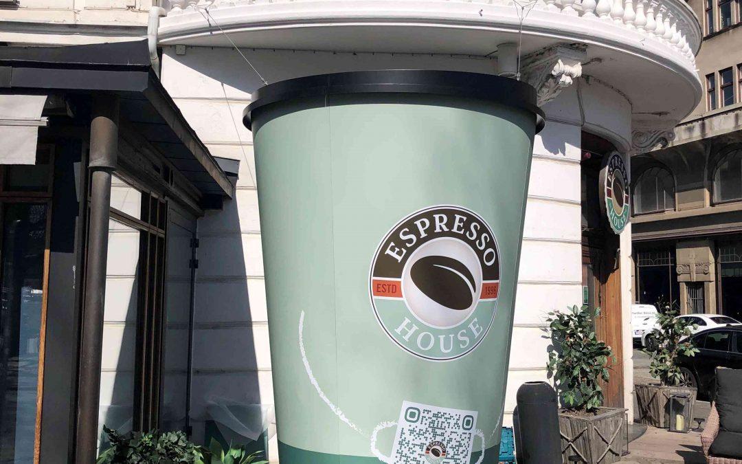 Montering av kaffe kopp för Espresso House Stortorget Malmö
